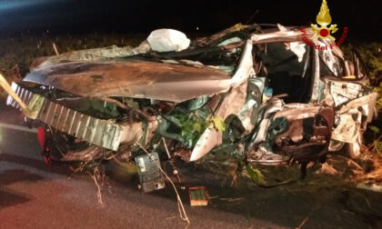 Perde il controllo dell'auto che si ribalta nel fossato: morto un 40enne